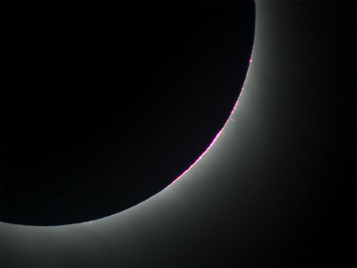 Unfortunately, only some small prominences were visible for this eclipse.