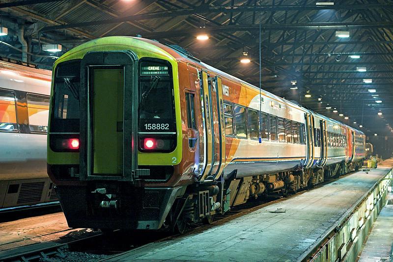 158882 and 153355, Crewe 21/3/2009