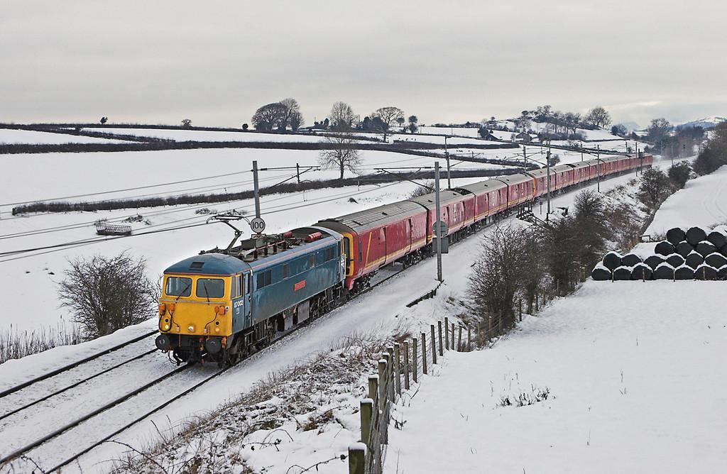 87002, 325xxx, 325012 and 325015, Rowell 24/12/2009<br /> 1M21 0610 Shieldmuir-Willesden PRDC