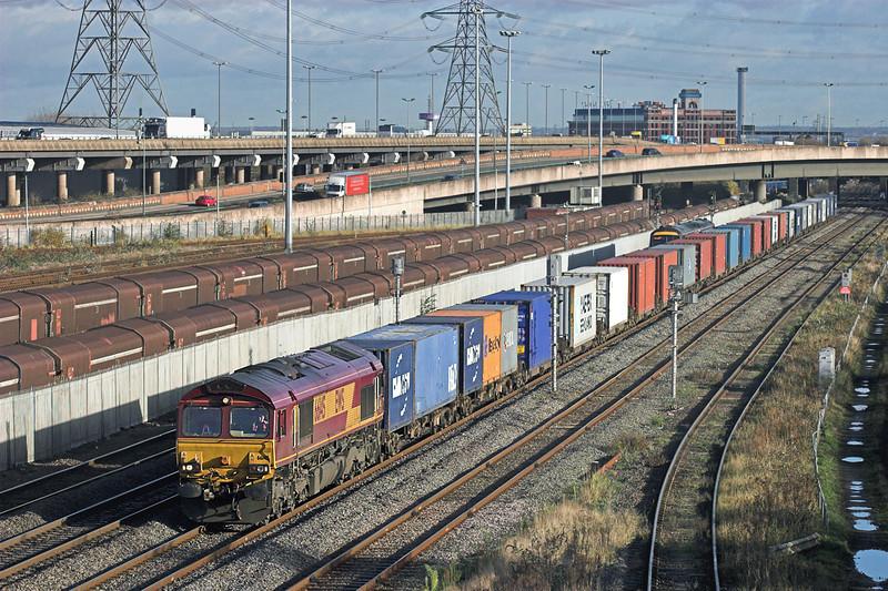 66145 Washwood Heath 26/11/2009<br /> 4O21 1110 Burton Yard-Southampton Docks