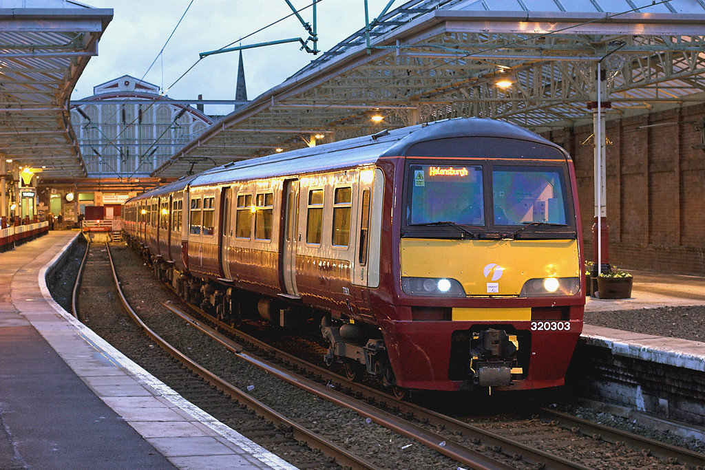 320303 and 320312, Helensburgh Central 27/2/2009<br /> 2H02 1810 Helensburgh Central-Drumgelloch