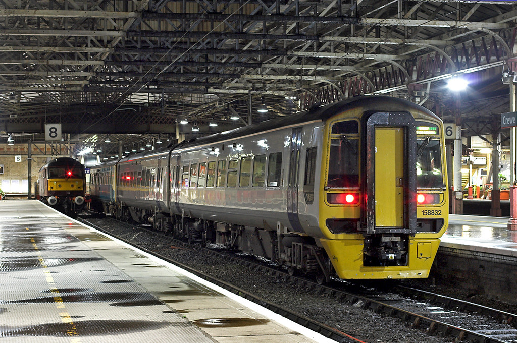158832, 153367 and 47786, Crewe 29/8/2009