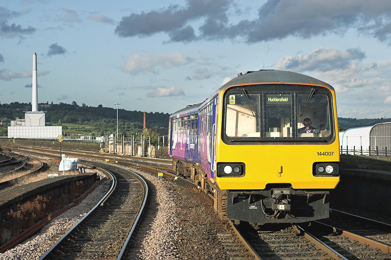 144007 Huddersfield 29/8/2009<br /> 2J47 1743 Leeds-Huddersfield