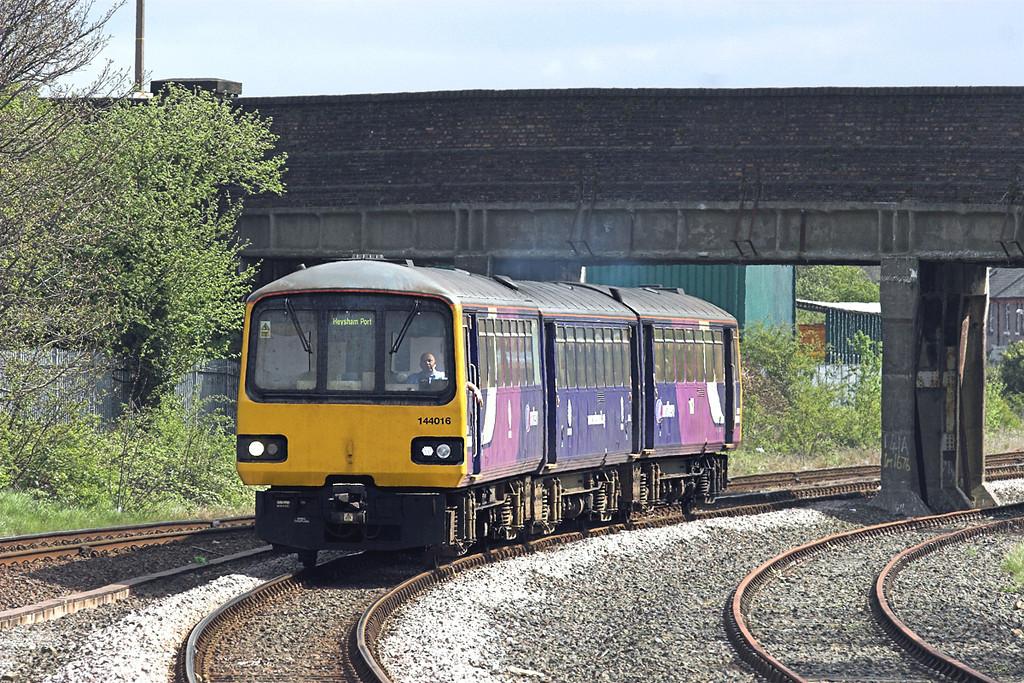 144016 Morecambe 1/5/2010<br /> 2H84 1019 Leeds-Heysham Port