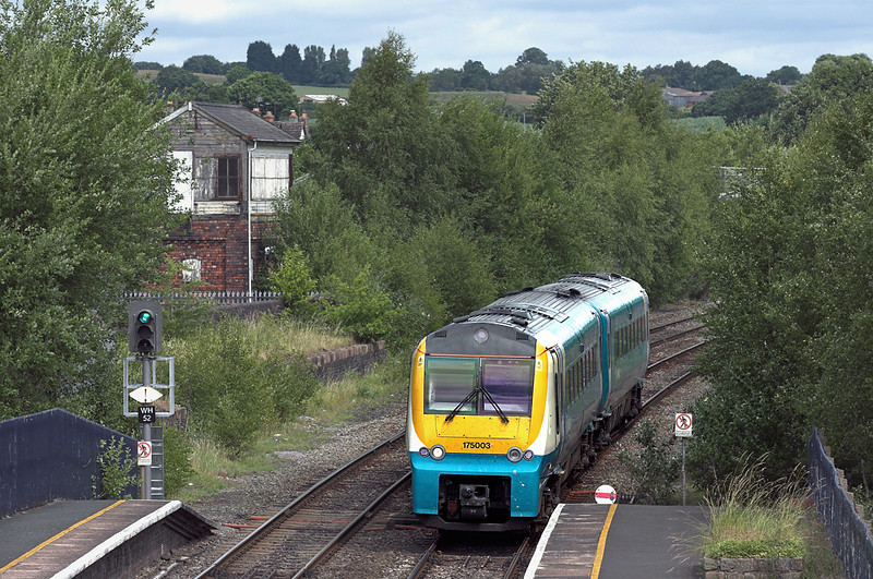 175003 Whitchurch 9/7/2010<br /> 1V79 1030 Manchester Piccadilly-Milford Haven