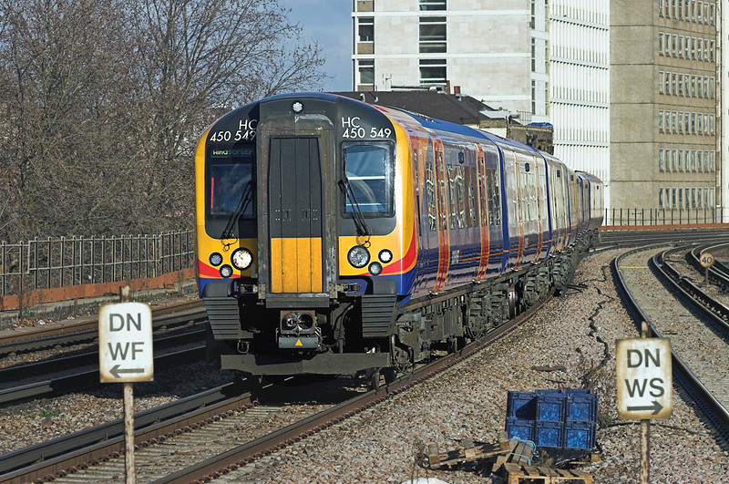 450549 and 450559, Vauxhall 11/2/2010<br /> 2U25 1028 London Waterloo-Windsor and Eton Riverside