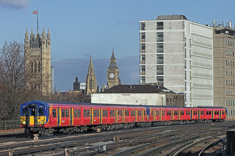 5917 and 5741, Vauxhall 11/2/2010<br /> 2O21 1003 London Waterloo-London Waterloo <br /> (via Richmond and Kingston)