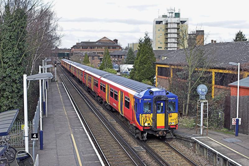 5855 and 5908, Teddington 11/2/2010<br /> 2O25 1103 London Waterloo-London Waterloo<br /> (via Richmond and Kingston)