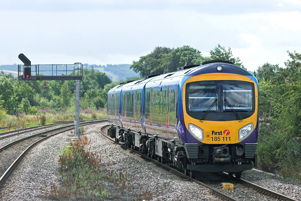 185111 Seamer 12/8/2010<br /> 1E72 1022 Liverpool Lime Street-Scarborough