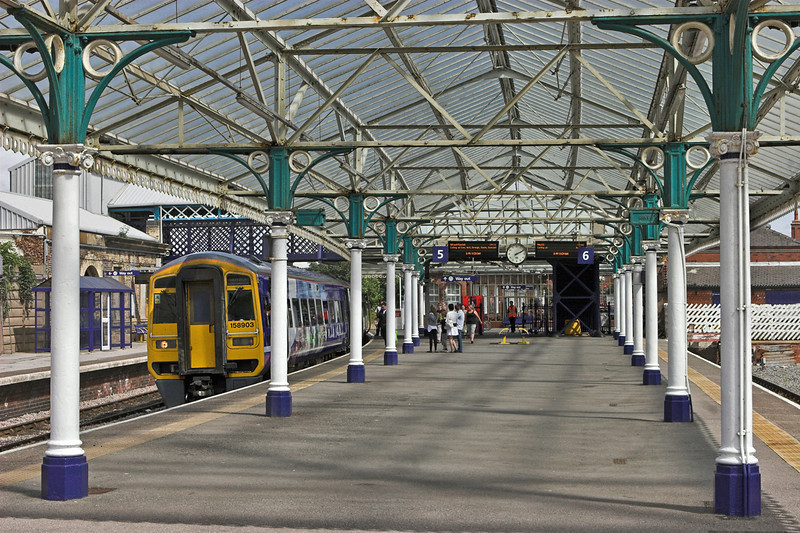 158903 Bridlington 12/8/2010<br /> 1J29 1328 Scarborough-Sheffield