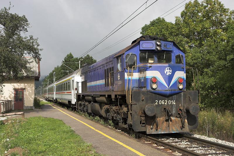 2062 014 Vrata 12/9/2010<br /> B700 1231 Zagreb Gl.kol-Rijeka