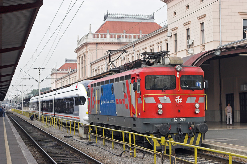 1141 305 and 6112 001, Zagreb Gl.kol 13/9/2010