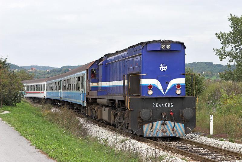 2044 006 Novi Marof 13/9/2010<br /> 3017 1547 Varazdin-Zagreb Gl.kol