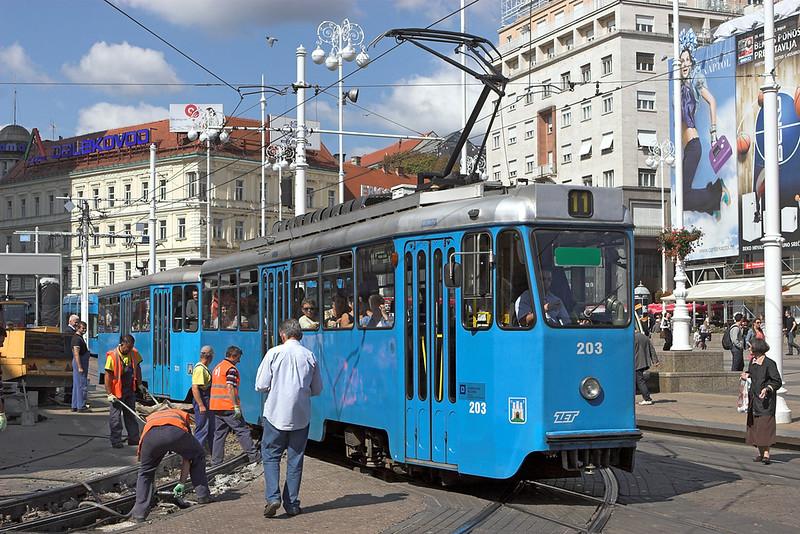 203 and 721, Trg J. Jelačića 14/9/2010