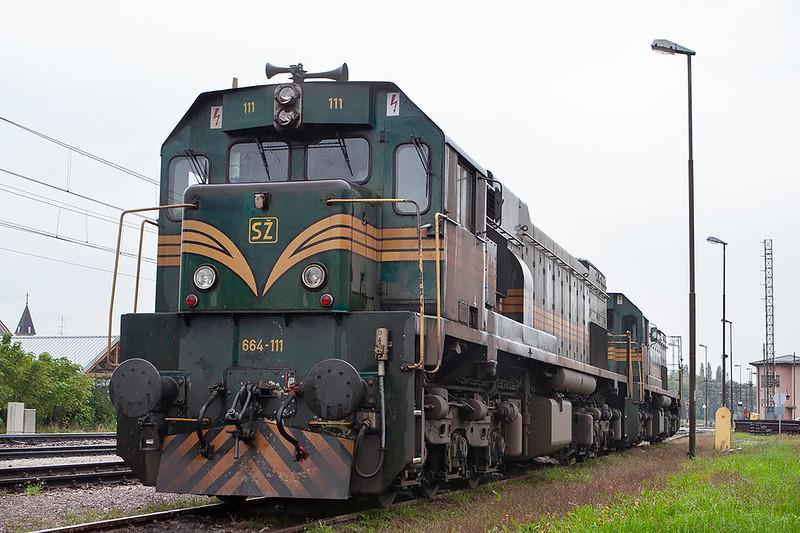 664-111 and 664-102, Pragersko 16/9/2010