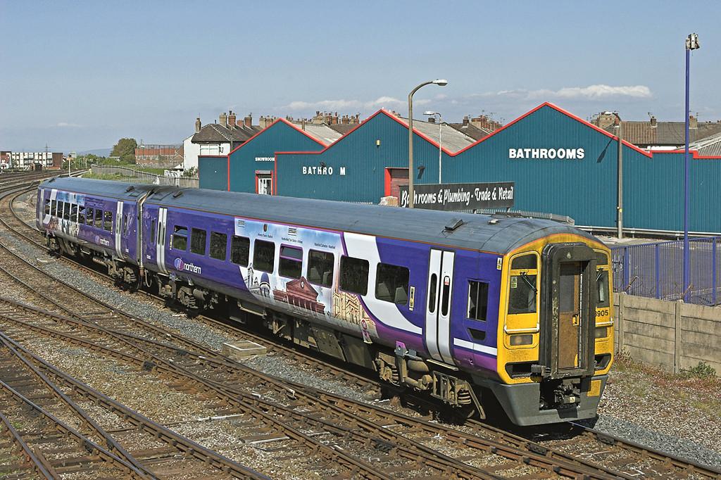 158905 Blackpool North 18/5/2010<br /> 1B32 1309 York-Blackpool North