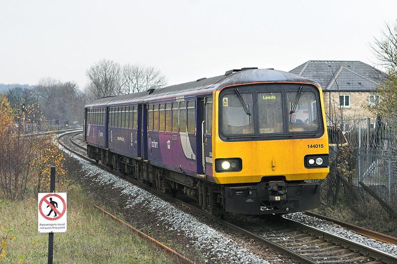 144015 Mirfield 18/11/2010<br /> 2U07 1000 Manchester Victoria-Leeds