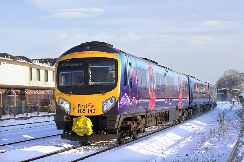 185140 Kirkham and Wesham 18/12/2010<br /> 1N62 1229 Manchester Airport-Blackpool North