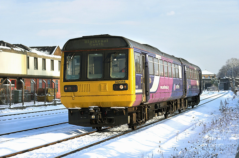 142056 Kirkham and Wesham 18/12/2010<br /> 2S13 1150 Colne-Blackpool South