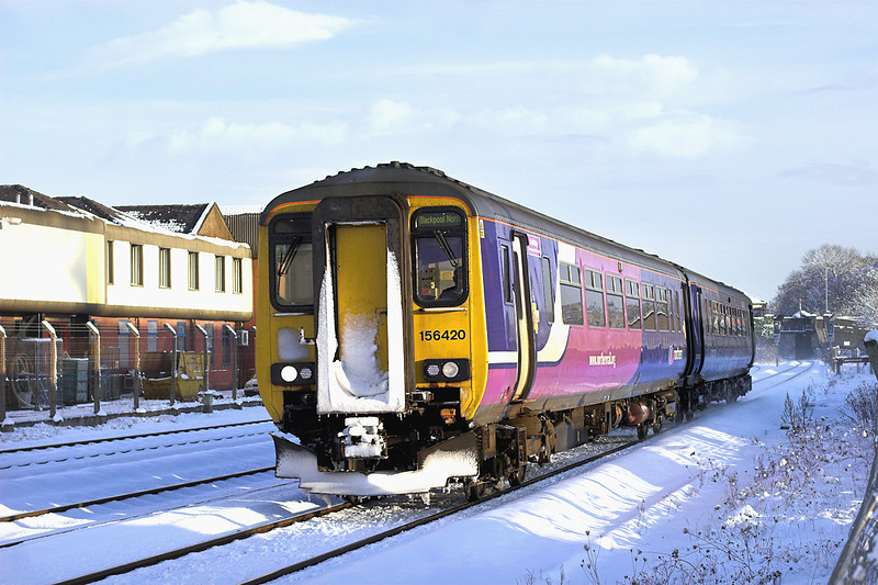 156420 Kirkham and Wesham 18/12/2010<br /> 2N72 1257 Liverpool Lime Street-Blackpool North