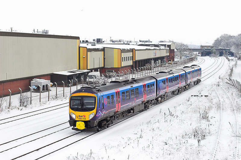 185112 Kirkham and Wesham 18/12/2010<br /> 1N61 1129 Manchester Airport-Blackpool North