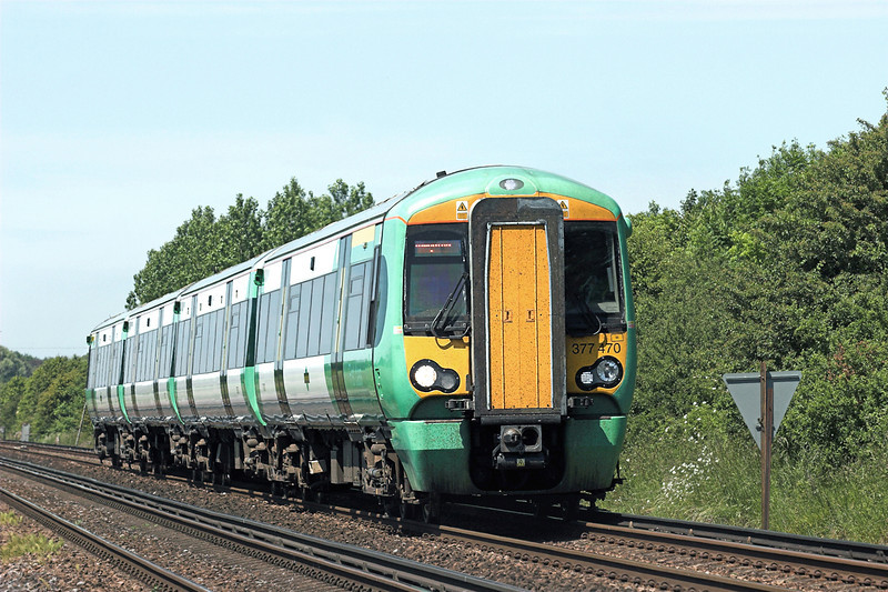 377470 Ford 22/6/2010<br /> 1N12 1033 Southampton Central-Brighton