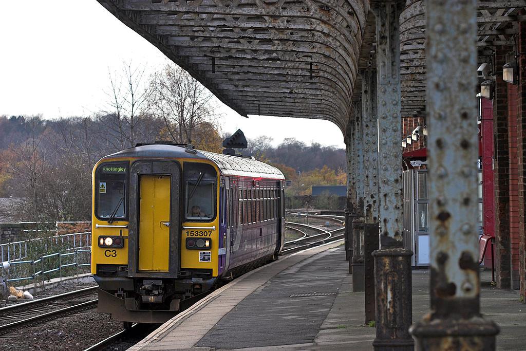153307 Wakefield Kirkgate 23/11/2010.<br /> 2F69 1131 Wakefield Kirkgate-Knottingley