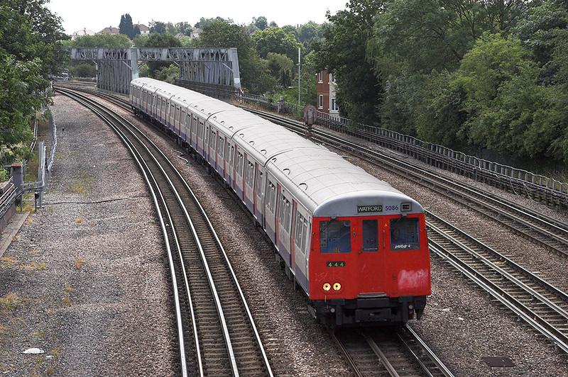 Metropolitan Line 5086, Northwood 24/7/2010