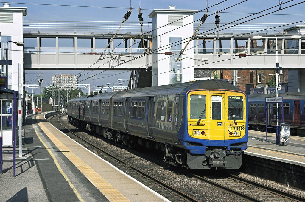 319430 West Hampstead Thameslink 24/7/2010<br /> 1A18 0824 Bedford-London St Pancras