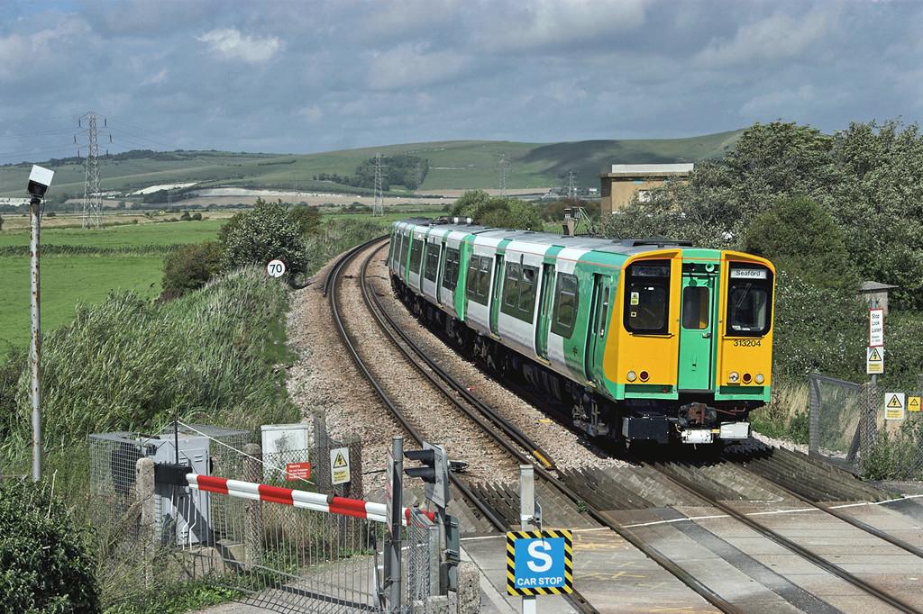 313204 Southease 24/8/2010<br /> 2F67 1340 Brighton-Seaford
