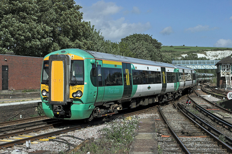 377475 and 377118, Lewes 24/8/2010<br /> 1F41 1450 Ore-London victoria