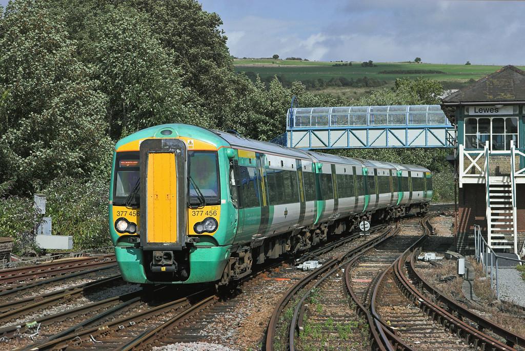 377456 Lewes 24/8/2010<br /> 2D22 1422 Ore-Brighton