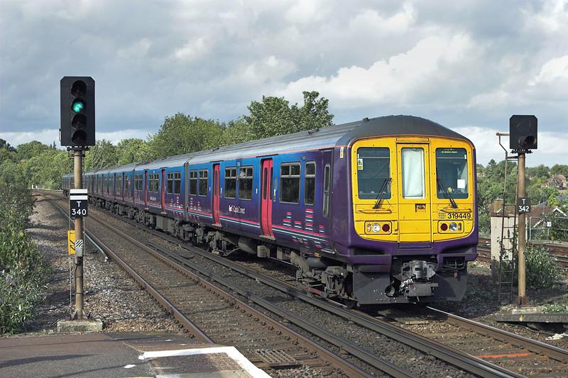 319449 and 319423, Haywards Heath 24/8/2010<br /> 2T47 1424 Bedford-Brighton