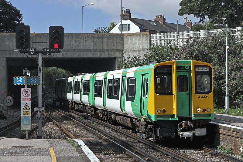 313204 Lewes 24/8/2010<br /> 2F55 1040 Brighton-Seaford