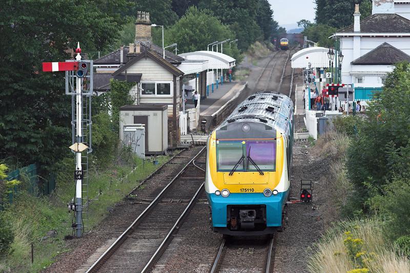 175110 Gobowen 27/7/2010<br /> 1W87 1320 Cardiff Central-Holyhead