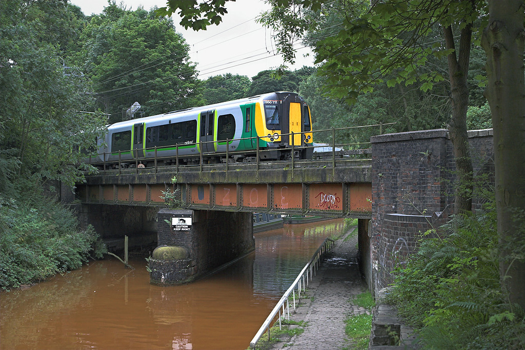 350111 Kidsgrove 30/7/2010<br /> 2U23 0624 London Euston-Crewe