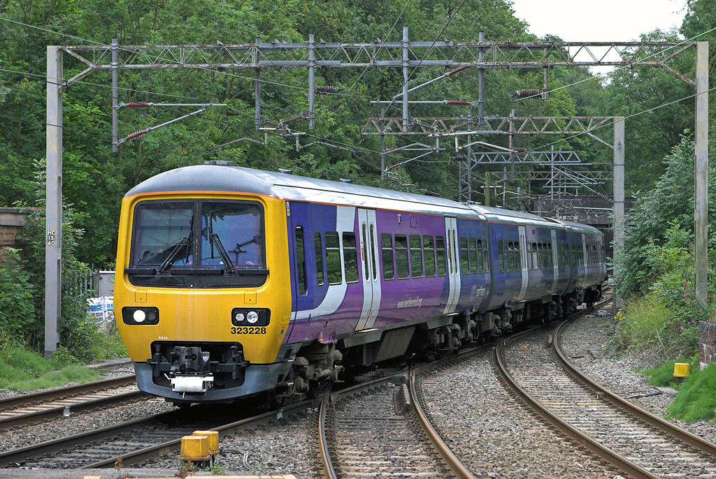 323228 Kidsgrove 30/7/2010<br /> 2H15 0958 Stoke on Trent-Manchester Piccadilly