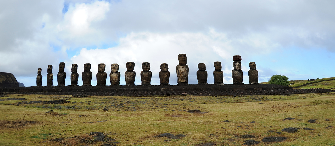 Moai at Tongariki site.