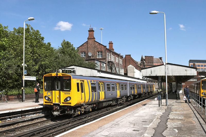 507019 Birkenhead Central 3/5/2011<br /> 2C22 1131 Chester-Chester<br /> (via Liverpool Central)