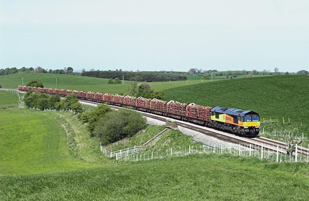 66845 Middle Breaks 4/5/2011<br /> 6J37 1229 Carlisle Yard-Chirk