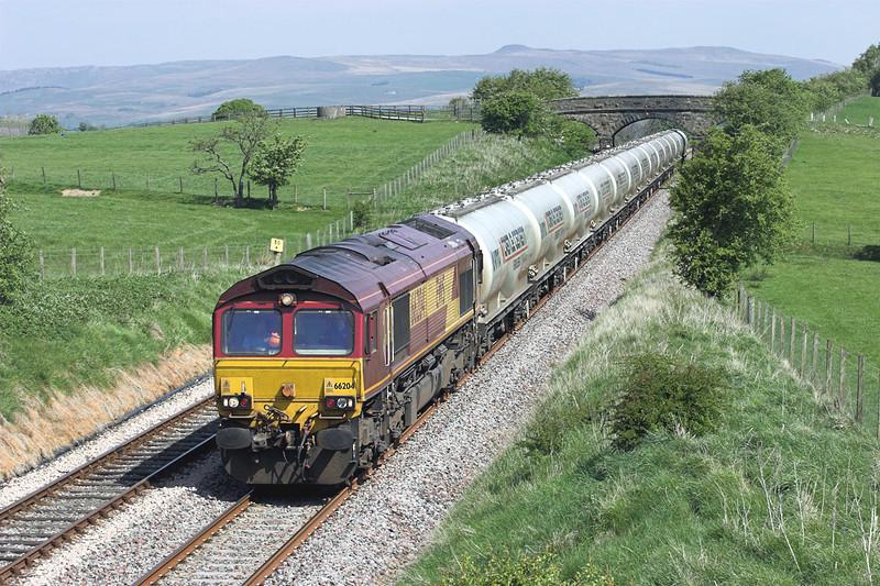 66204 Newsholme 4/5/2011<br /> 4M00 0705 Mossend-Clitheroe
