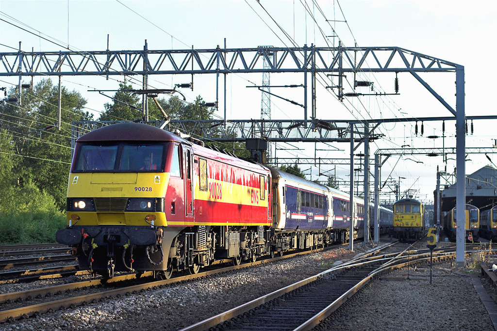 90028 Crewe 4/6/2011<br /> 1M16 2046 Inverness-London Euston