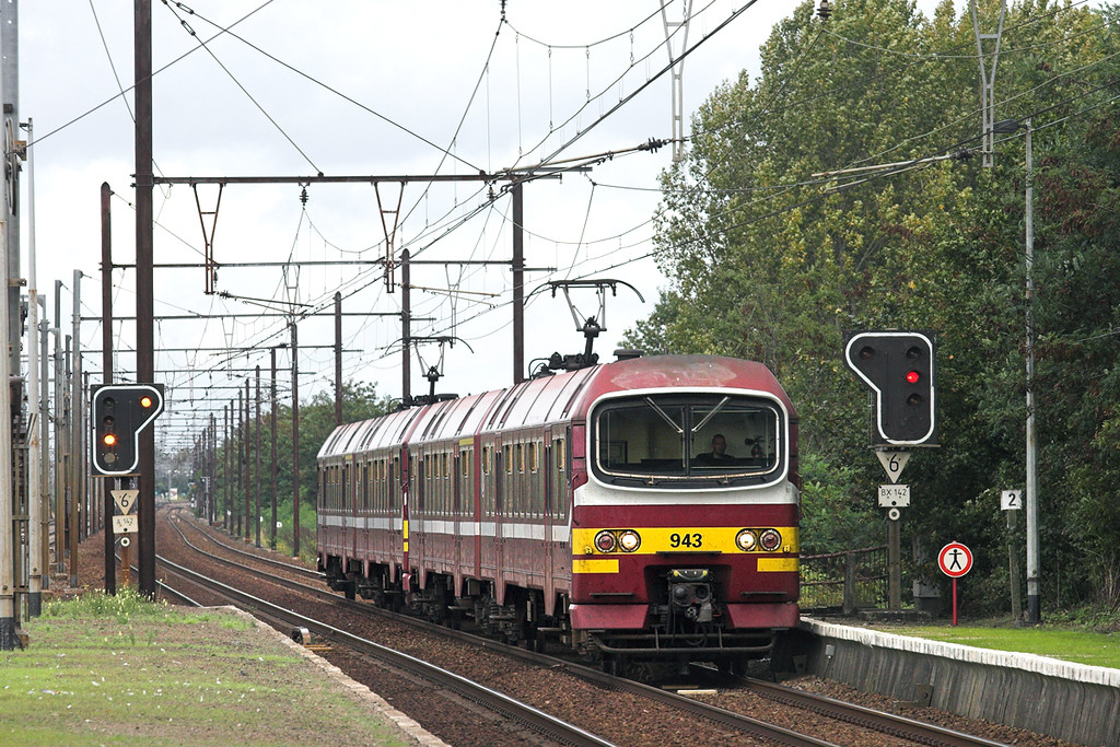 943 and 939, Eppegem 5/10/2011<br /> R3586 1515 Mechelen-Bruxelles Luxembourg