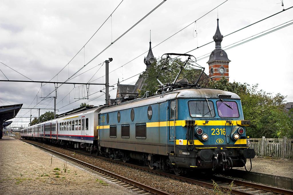 2316 Schaarbeek 5/10/2011<br /> IC8723 1616 Schaarbeek-Châtelet