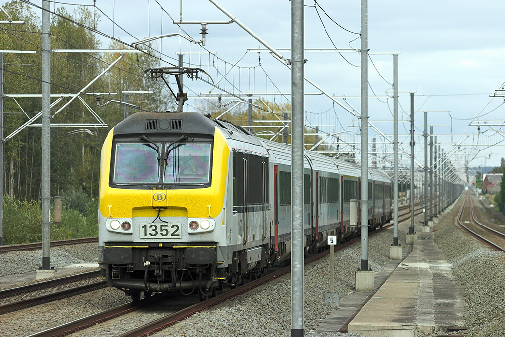1352 Erps-Kwerps 5/10/2011<br /> IC487 1609 Maastricht-Bruxelles Midi