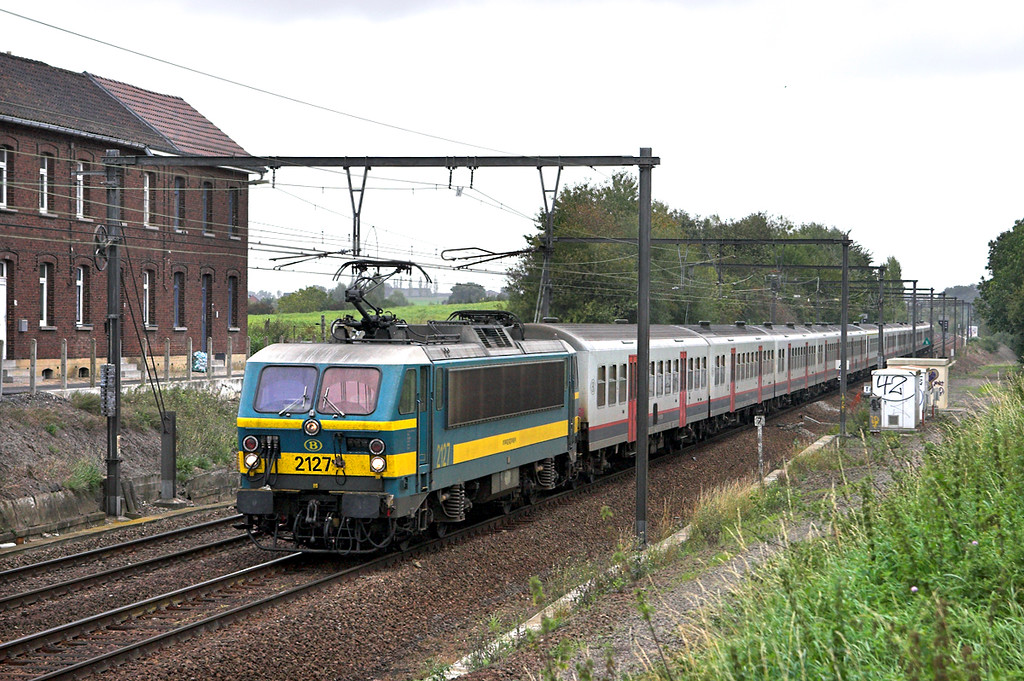 2127 Braine-Le-Comte 5/10/2011<br /> IC1734 1208 Liege Guillemius-Quievrain