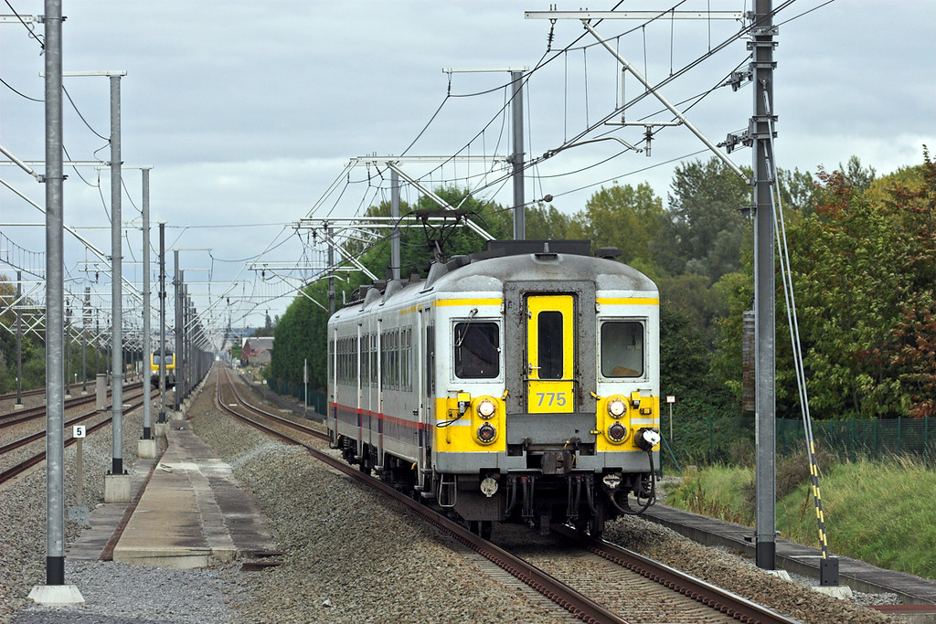 775 Erps-Kwerps 5/10/2011<br /> IR4237 1708 Leuven-Bruxelles Nat Aèroport