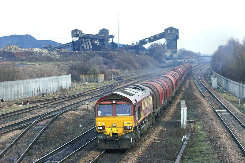 66187 Hatfield and Stainforth 6/1/2011<br /> 6J94 1250 Goole Dock-Rotherham Steel Terminal