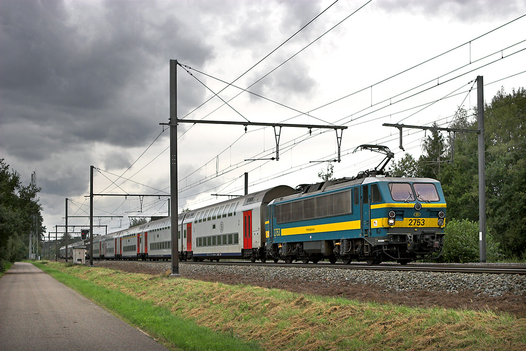 2753 and 2747, Testelt 6/10/2011<br /> IC1513 1306 Knokke-Tongeren/<br /> IC1613 1311 Blackenberge-Tongeren