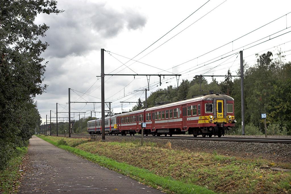 238 and 704, Testelt 6/10/2011<br /> R2465 1534 Leuven-Hasselt
